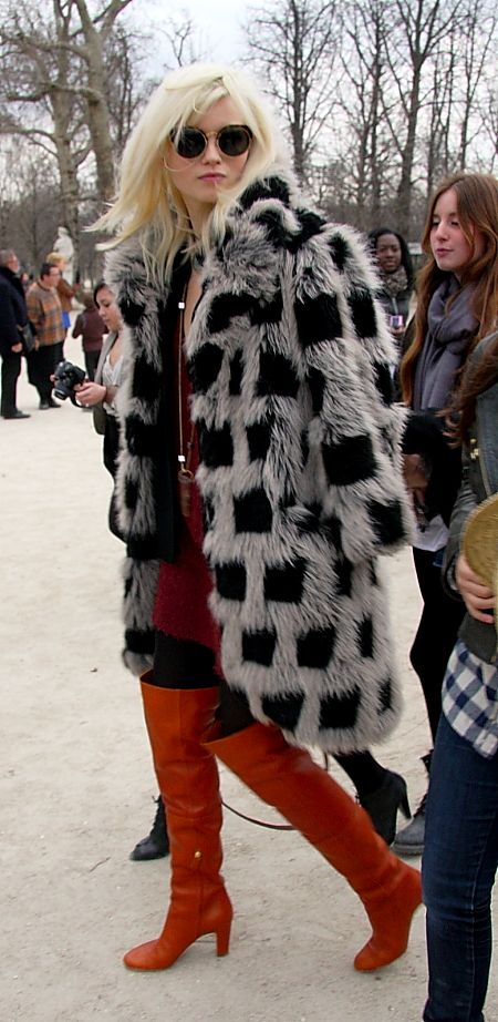 Modepilot-Karopelzmantel-Streetstyle-Paris-Fashionweek-Mode-Blog
