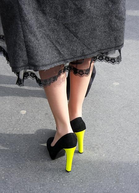 Modepilot-Streetstyle-Neon-Absätze-Spitze-Barbara Markert-Paris-Fashion-Blog