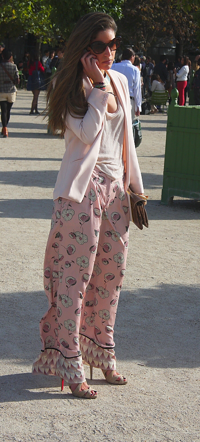 Modepilot-Streetstyle-Lange Hose-Hitze-Rosa-Fashionweek-Paris-Mode-Blog-Barbara Markert