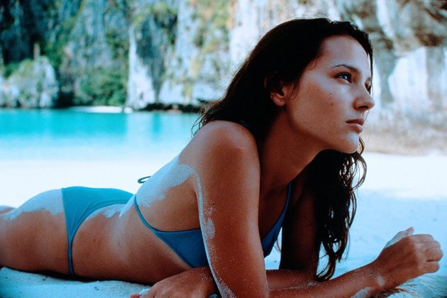 "Ready for ""The Beach"": Virginie Ledoyen im blauen Triangel-Bikini"