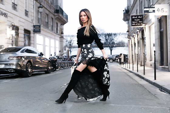 5138801_jessi-malay-wearing-majorelle-skirt