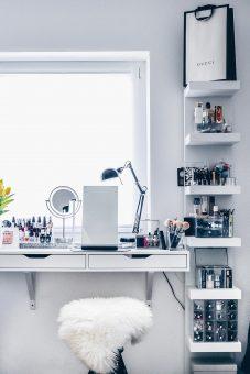 Image schminkecke-makeup-kosmetik-beauty-aufbewahrung-organizer-ikea-schminkbereich-einrichten-tipps-beautyblog-whoismocca-1.jpg