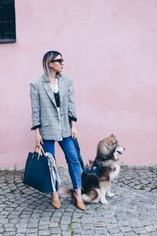 Image mode-accessoires-hermes-tuch-mom-jeans-blazer-pumps-casual-business-chic-fashionblog-modeblog-whoismocca-1.jpg