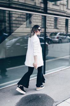 Image hose-volant-print-statement-shirt-longblazer-elyse-star-stella-mccartney-schuhe-streetstyle-fashionblog-modeblog-whoismocca-6.jpg