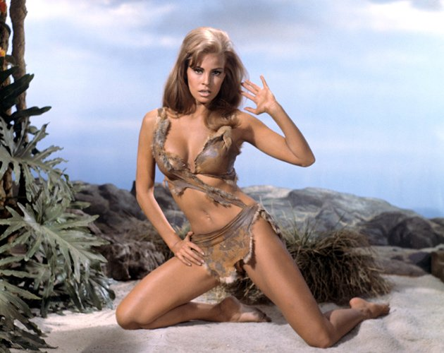Bikini-Beauty Raquel Welch im sexy Steinzeit-Bikini