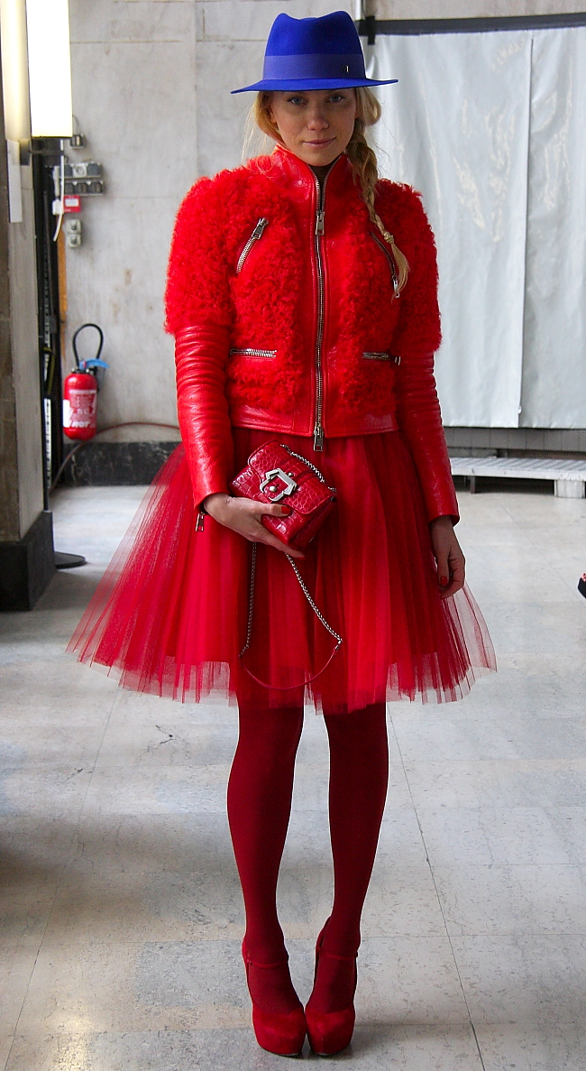 Streetstyle: Woman in Red