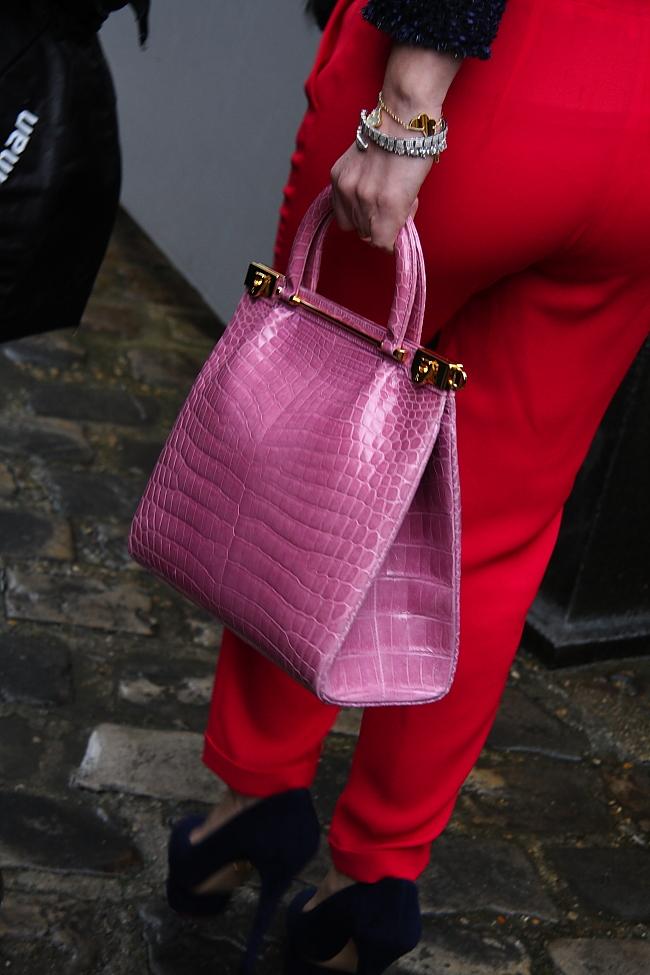 Streetstyle: Rot-Pink-Laune