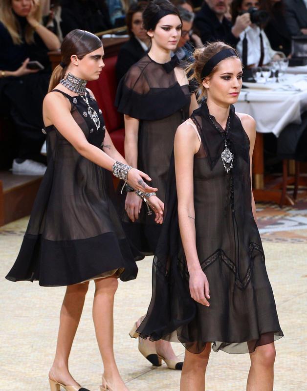 Paris Fashion Week Herbst/Winter 15/16: Die Chanel Show