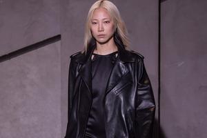 Soo Joo Park: Spaß am spontanen Haare färben