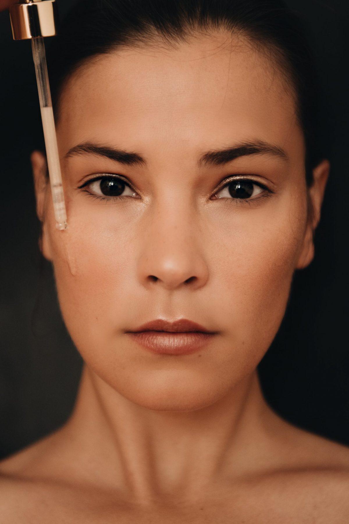 In 3 Steps: Diese Beauty Produkte bringen unsere Haut das ganze Jahr zum Strahlen