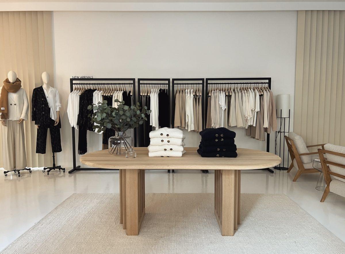 Warm Modernity: Nach diesem Interior-Stil haben wir unseren Ayen Store eingerichtet – plus: shoppe hier unsere Laden Einrichtung